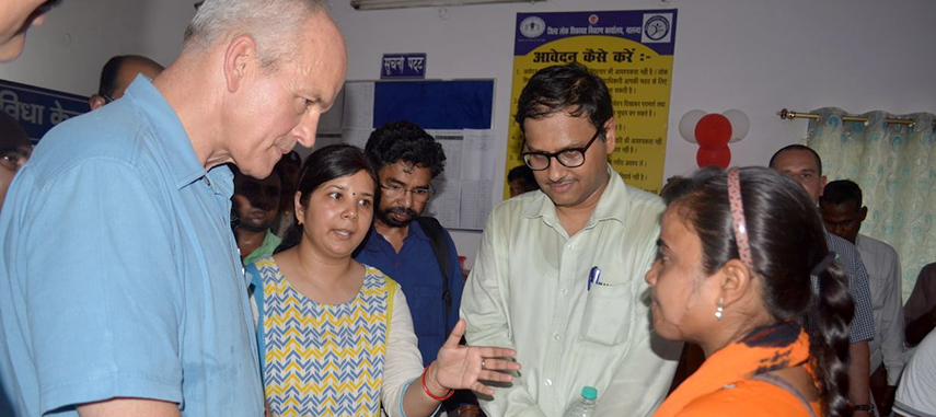 DFID India Head interacting with a complainant whose grievance was successfully redressed under the BRPGRA